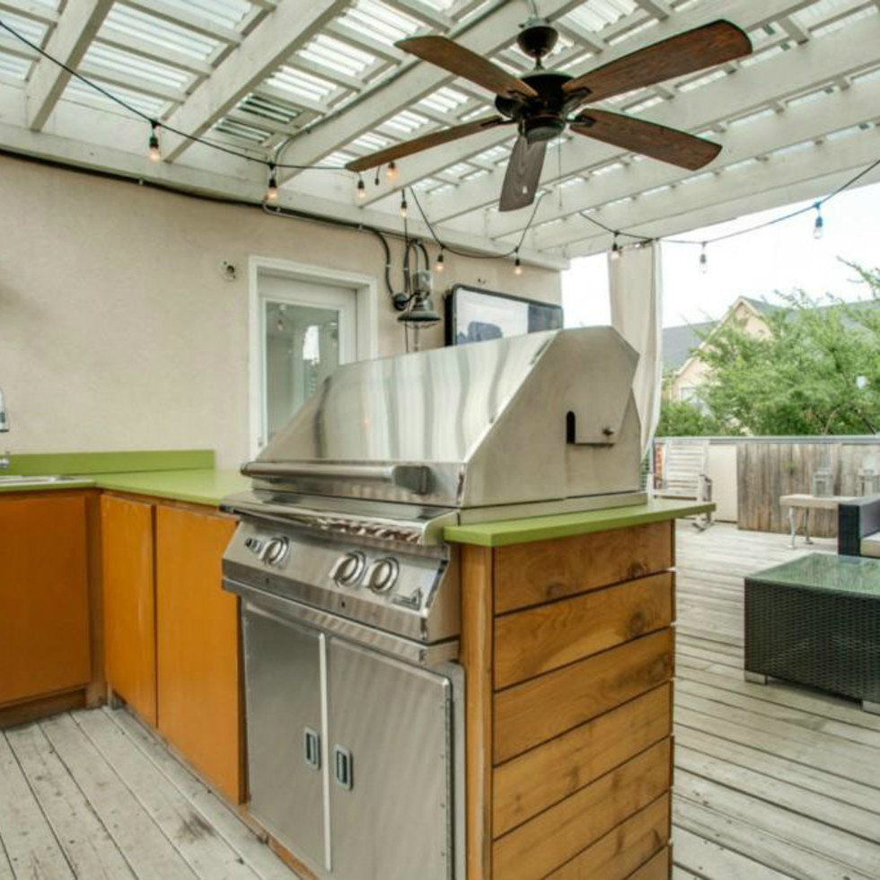 Deck at 3009 State St. in Dallas
