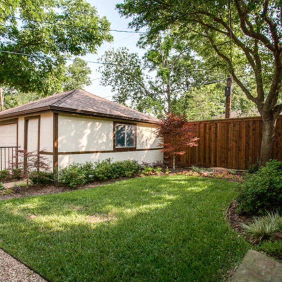 Backyard at 811 Monte Vista Dr. in Dallas
