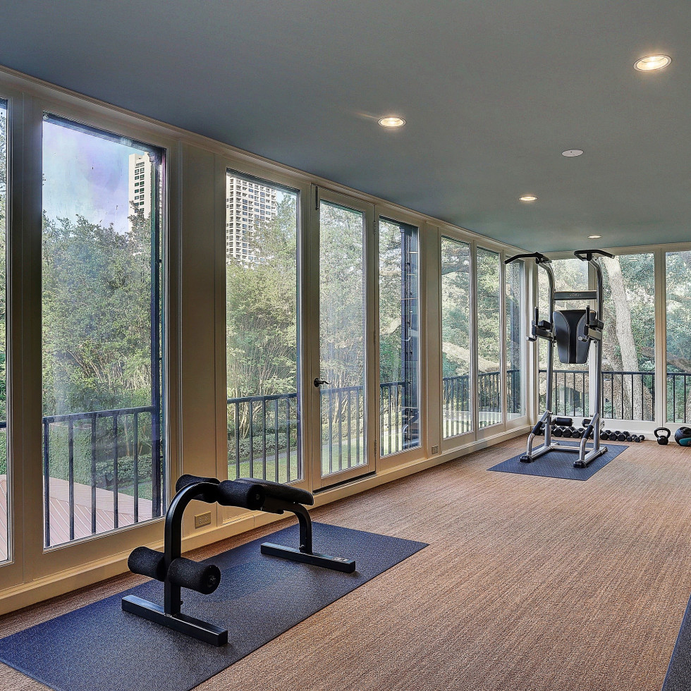 2 Longfellow Lane exercise room