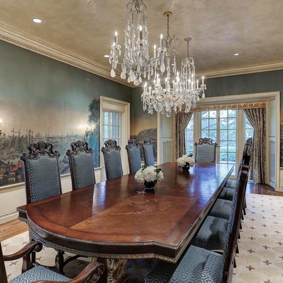 2 Longfellow Lane dining room