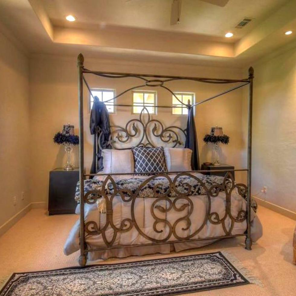 Rex Tillerson home at Horseshoe Bay, guest bedroom