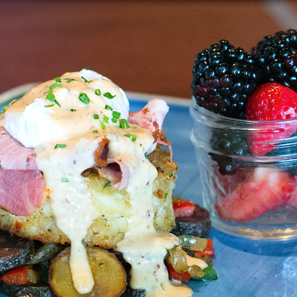 Houston, new brunches, July 2017, crab cake Benedict, Franks Americana