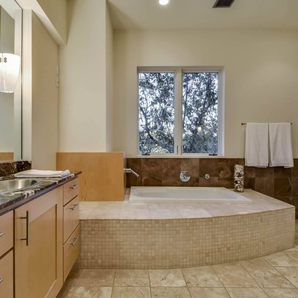 1200 Barton Creek Blvd Austin house for sale bathroom