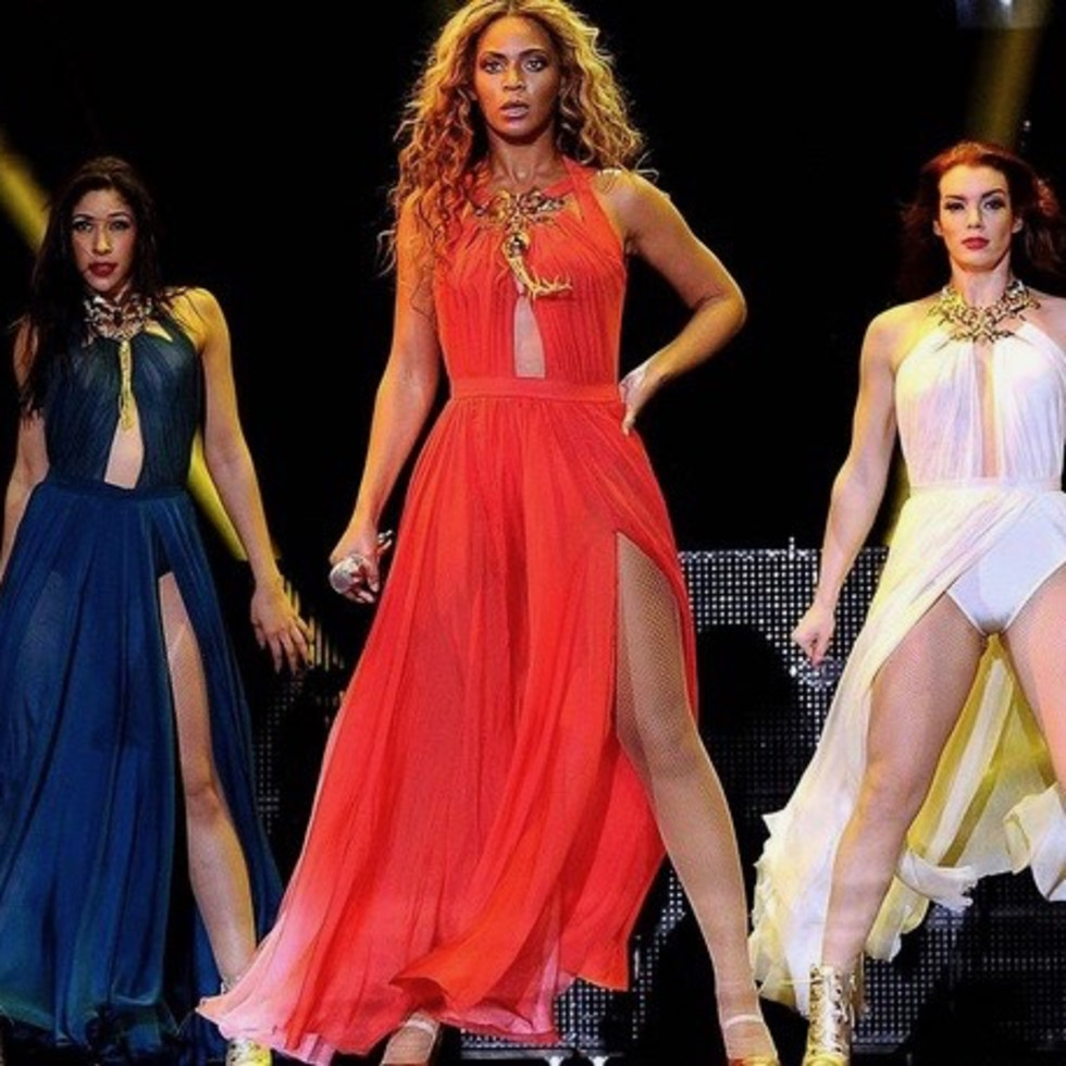 Beyonce and dancers in Alon Livne
