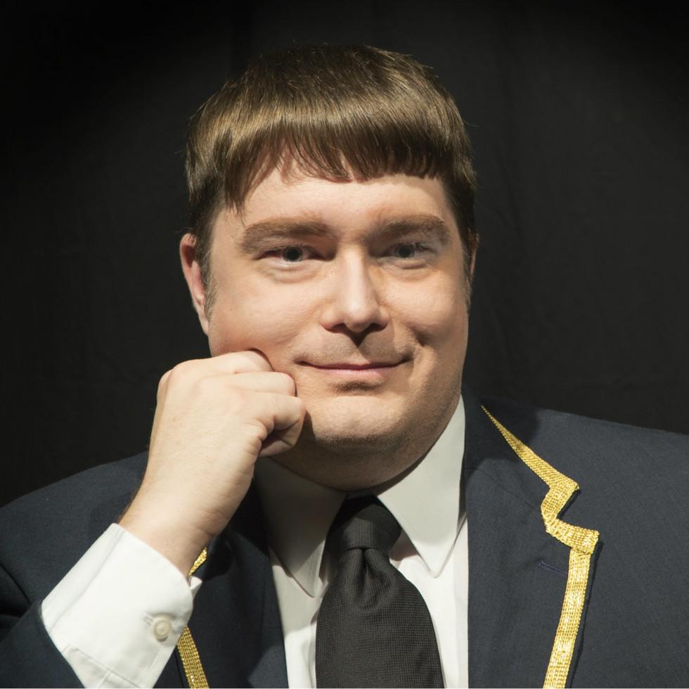 Ben Bryant as Kaptain Kockadoo