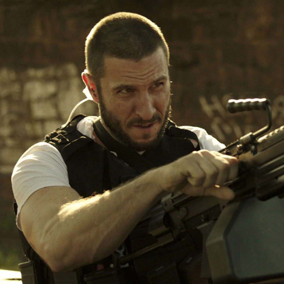 Pablo Schreiber in Den of Thieves