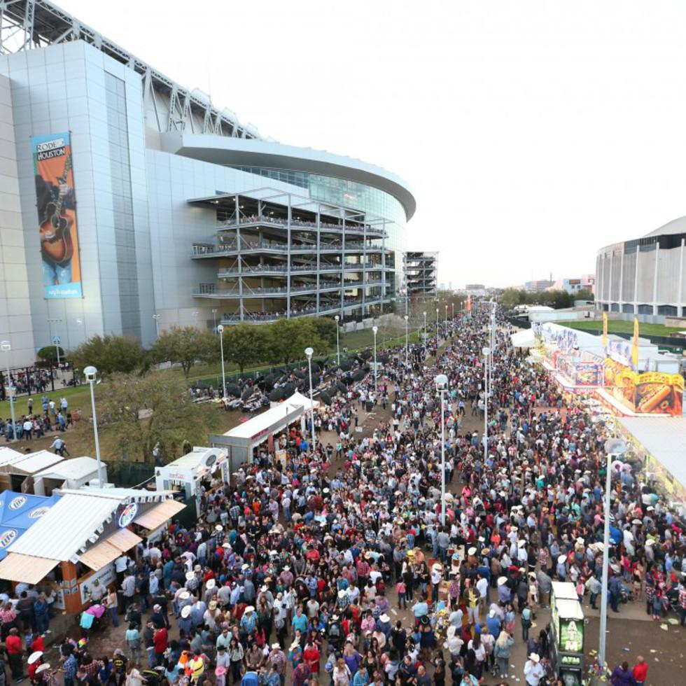 Rodeo Houston outdoor crowd