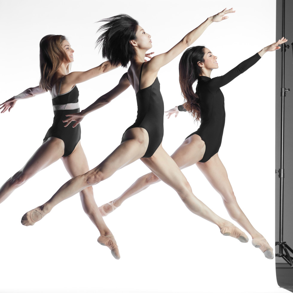 Sky Dance Houston Ballet dancers: Allison Miller, Nozomi Iijima, Mónica Gómez