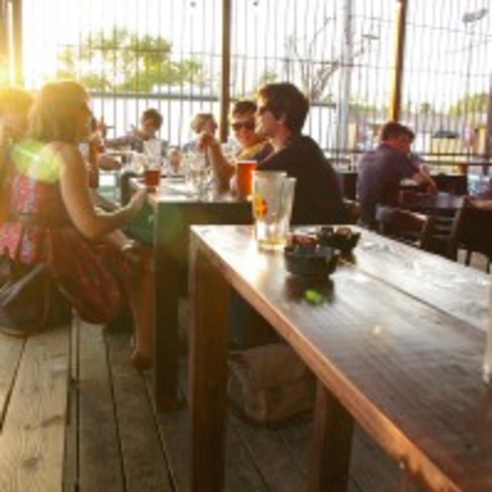 austin photo: places_bar_grackle_outside