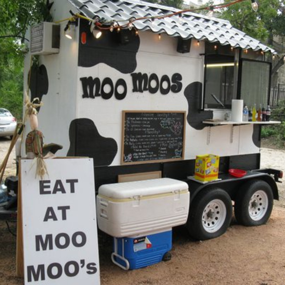 Austin Photo: Place_Food_moo_moo's_mini_burgers_exterior