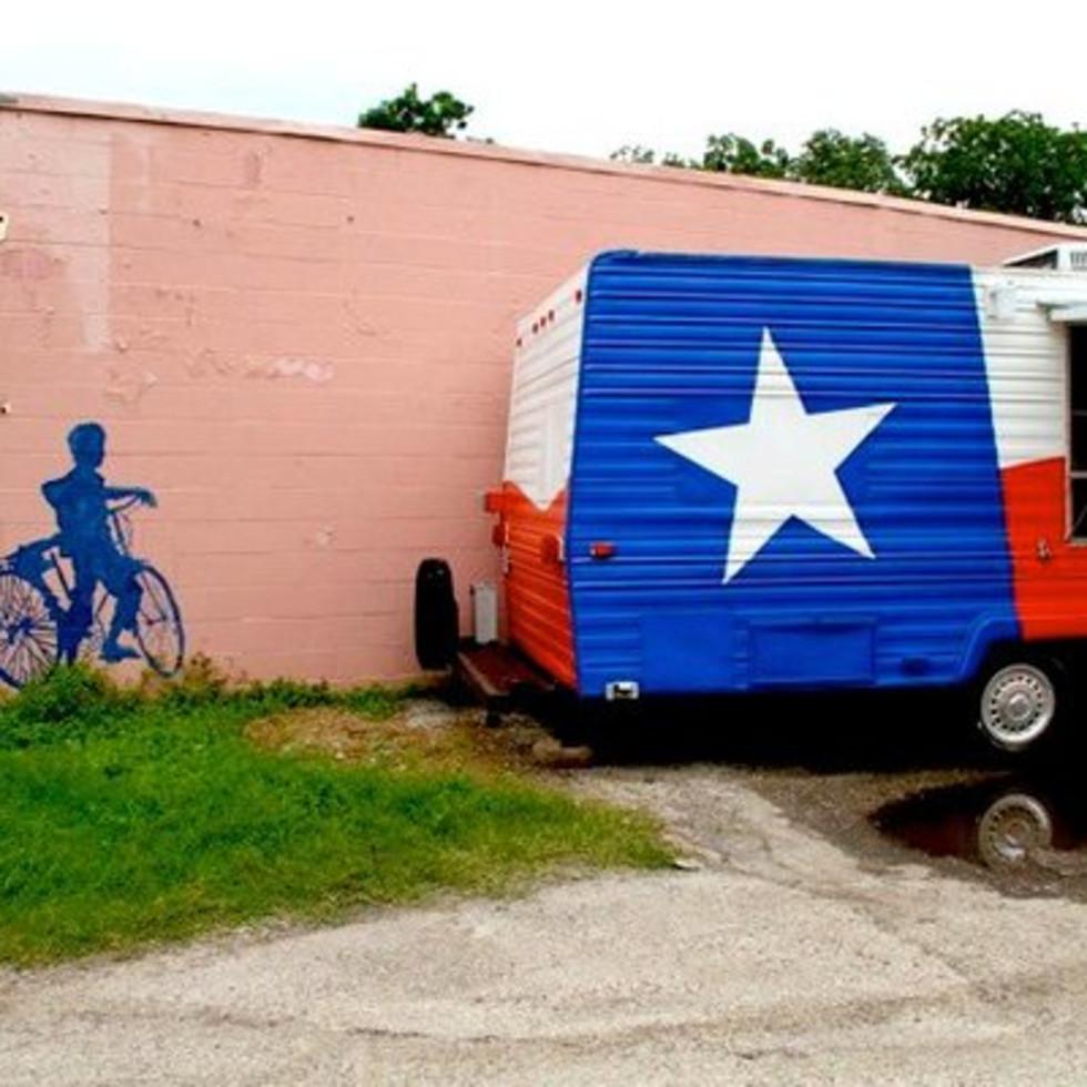 Austin Photo: Places_food_iggy's_texatarian_exterior