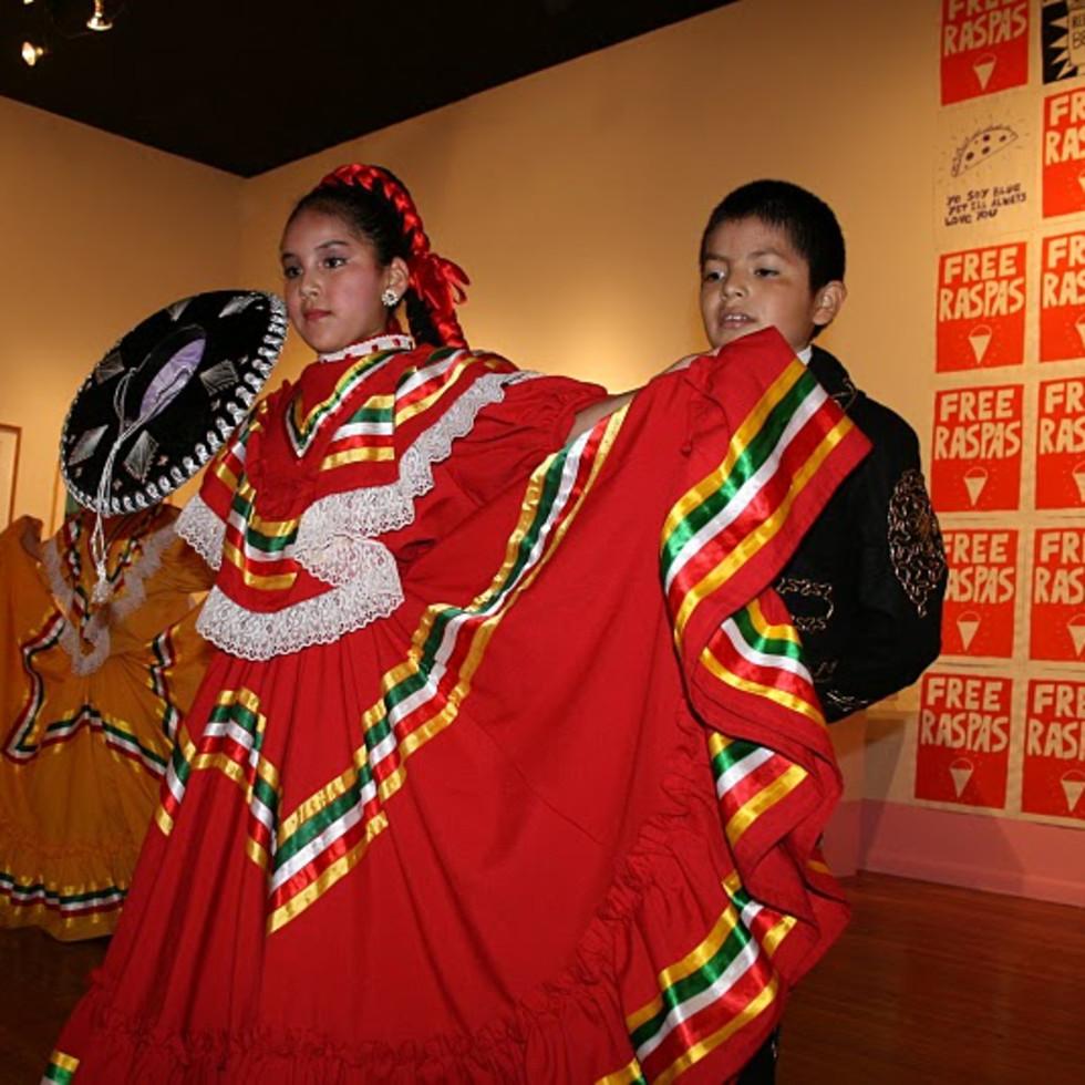 Austin Photo: Places_Arts_Mexic_Arte_Museum_Interior