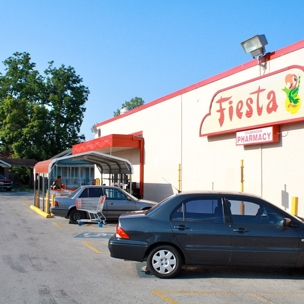 News_Fiesta_grocery store