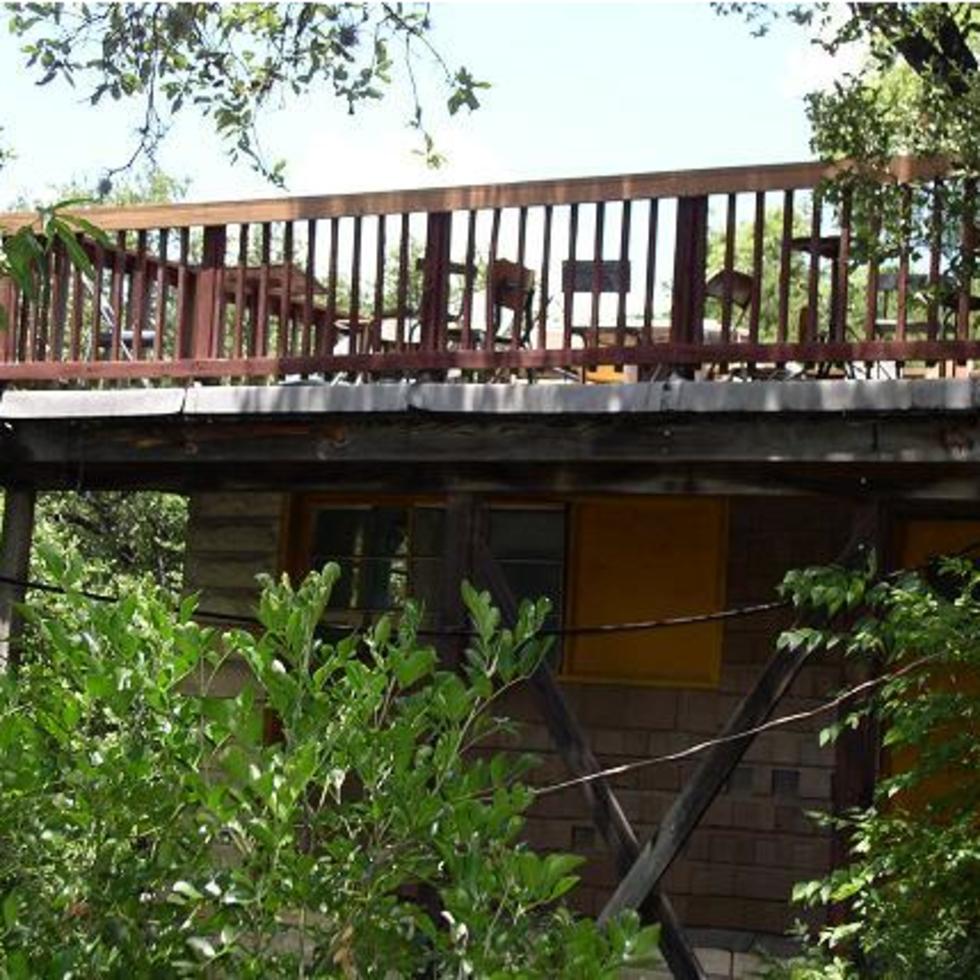 Austin Photo: Places_Bar_dry_creek_patio