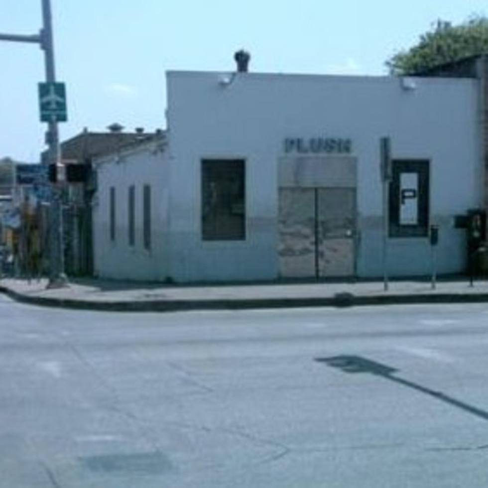 Austin photo: Places_Drink_Plush_Exterior