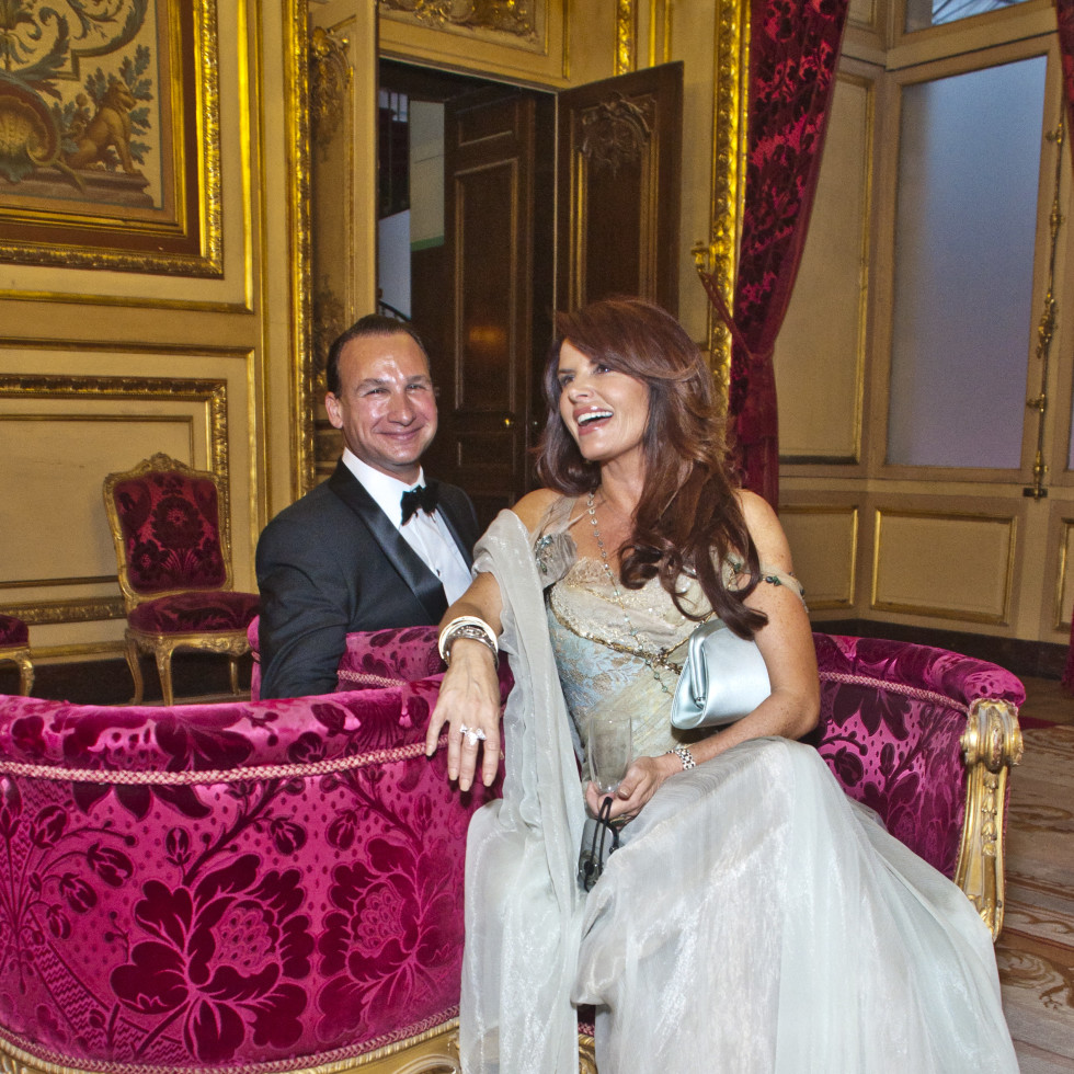 News_Louvre_Roma Downey_June 2011