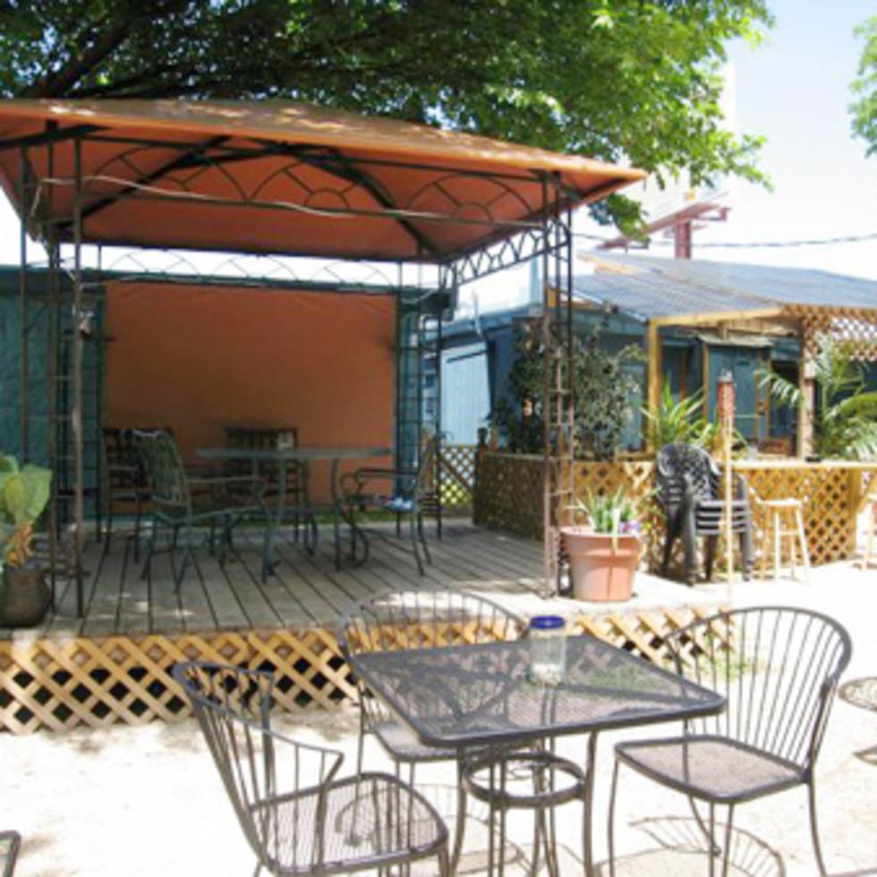 Austin_photo: places_food_phara's_patio