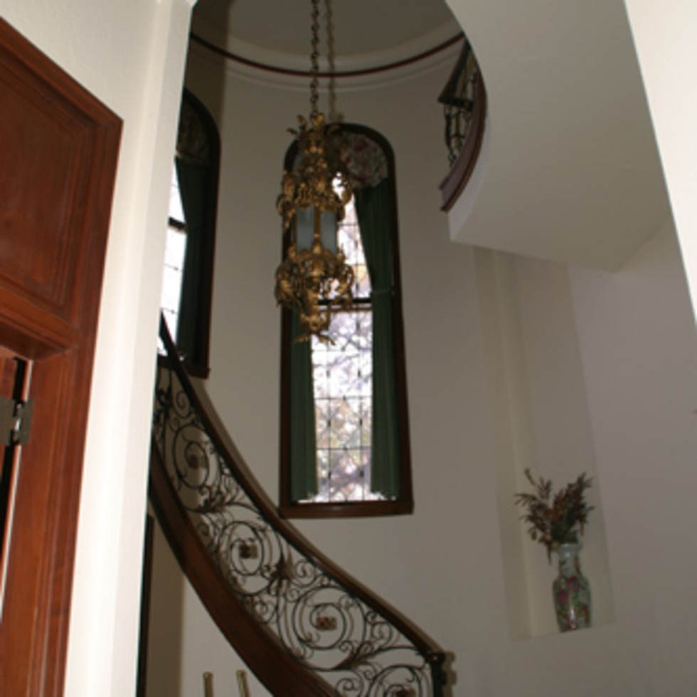 Austin_photo: places_unique_commodore perry estate_stairs