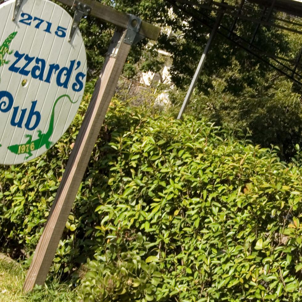Places-Drinks-Lizzard's Pub