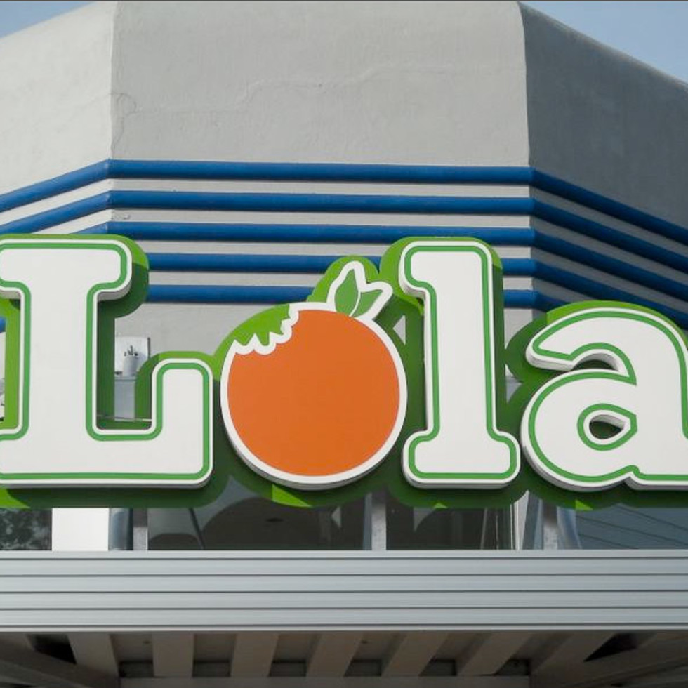 Places_Food_Lola_sign