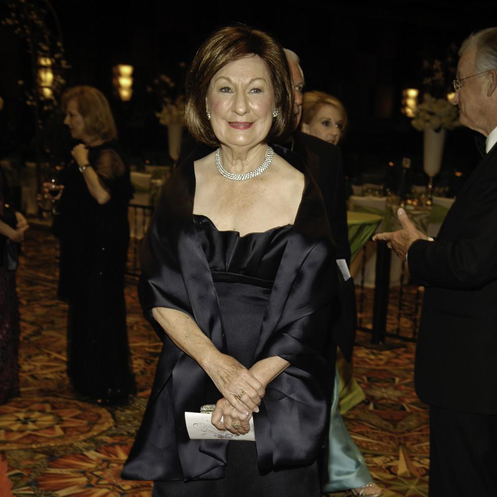News_Symphony Ball_March 2010_Cora Sue Mach