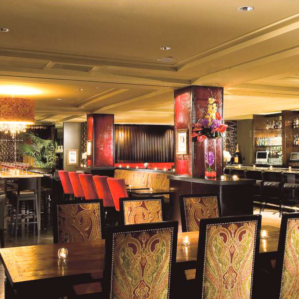 News_Hotel ZaZa_Monarch Restaurant and Lounge