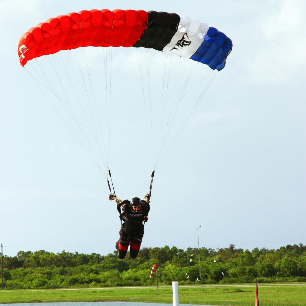 News_skydiving_Stuart Schoenfeld