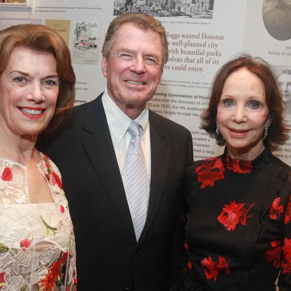 News_Kilroy Opening_Jeanie Kilroy_Peter Marzio_Cornelia Long