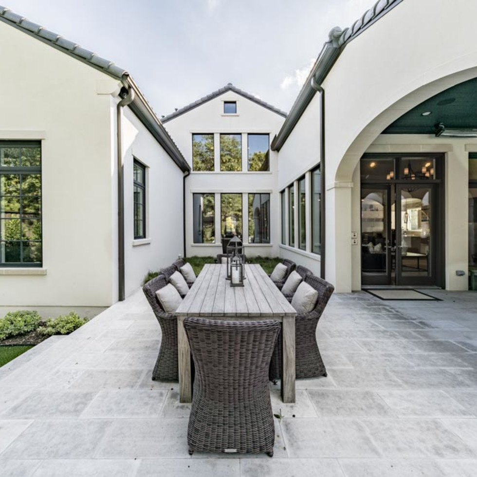 Outdoor living/dining area in Dallas