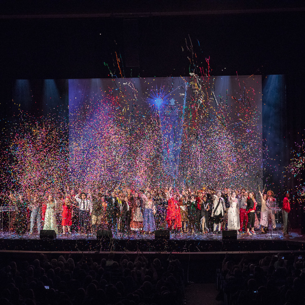 DSM High School Musical Theatre Awards show finale