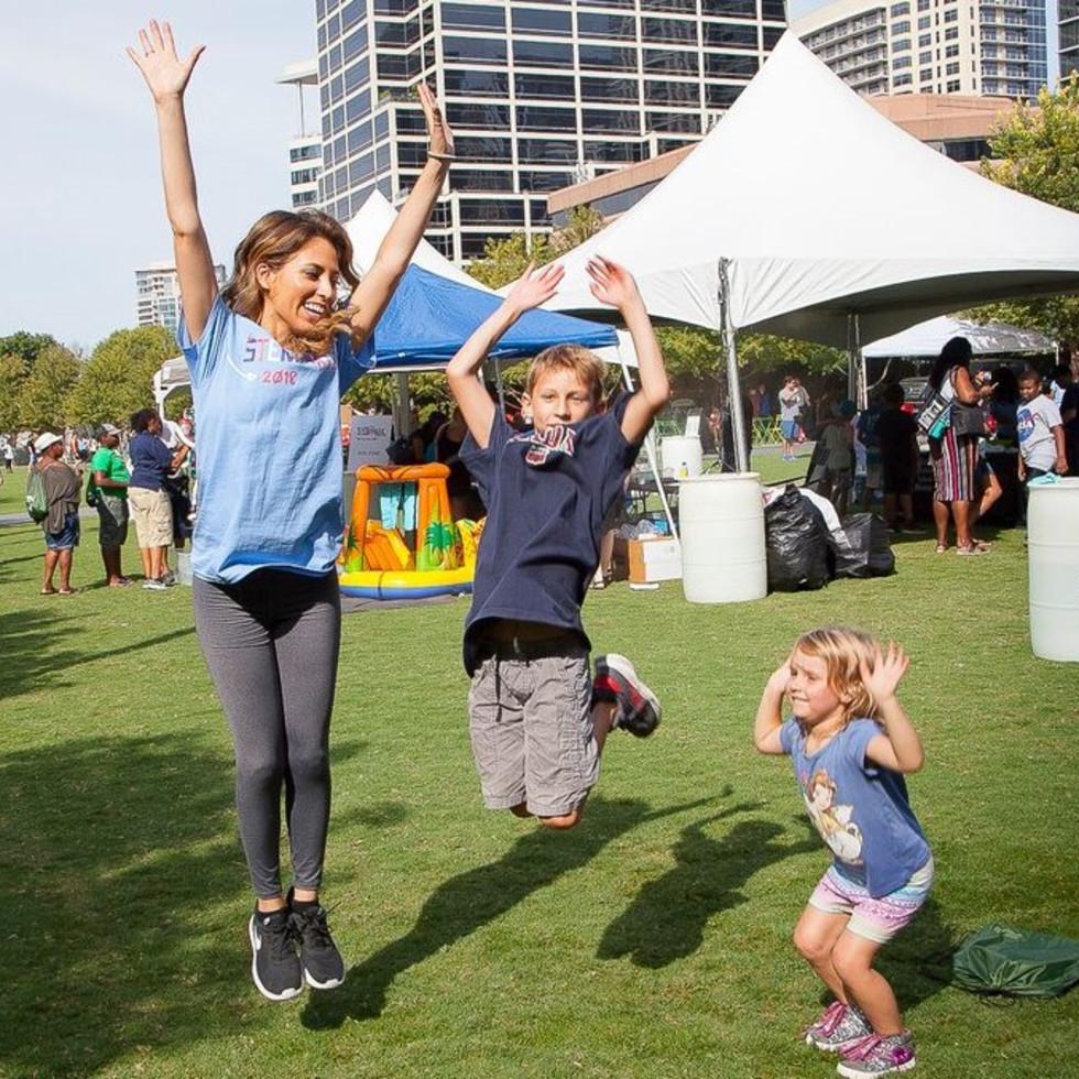 Christiana Yebra and kids, STEM in the Park
