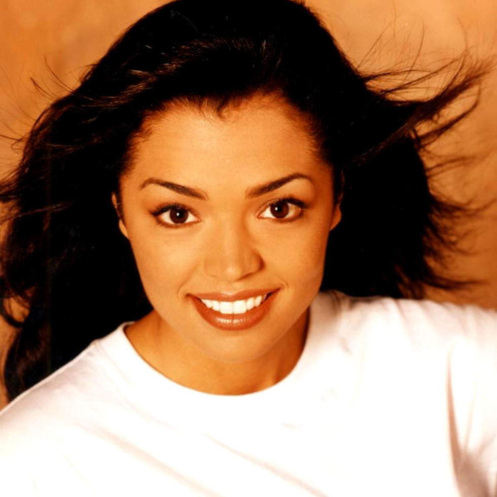Chelsi Smith head shot