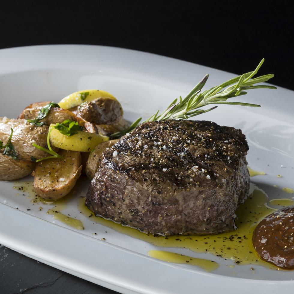 Diana American Grill steak