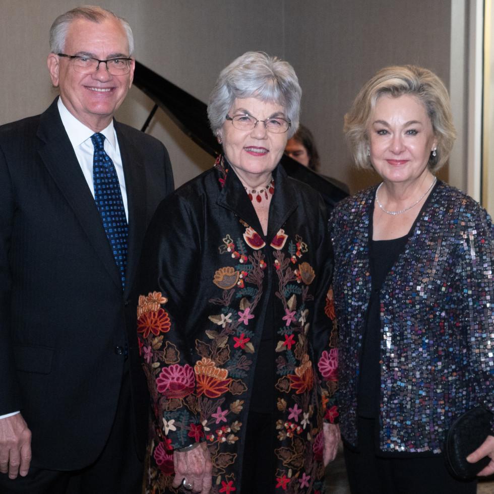 Craig Sutton, Robyn Flatt, Debbie Sutton