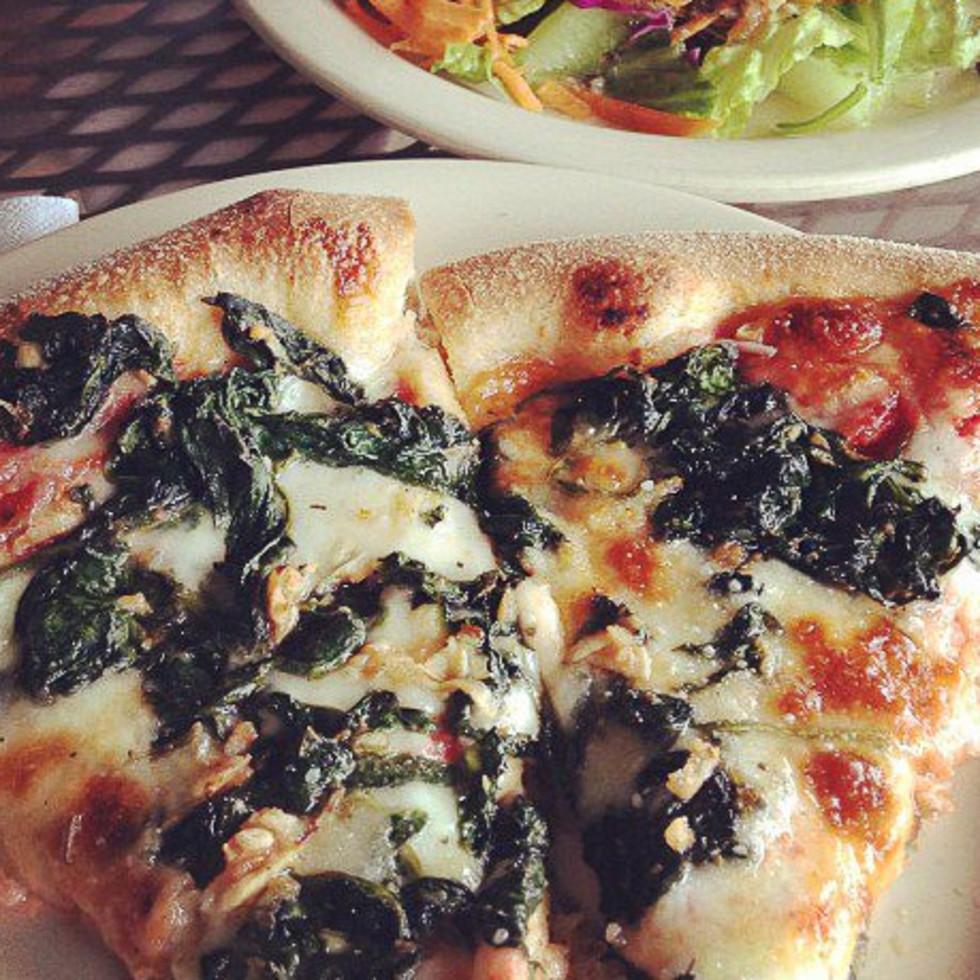 Star Pizza Houston, pizza, salad