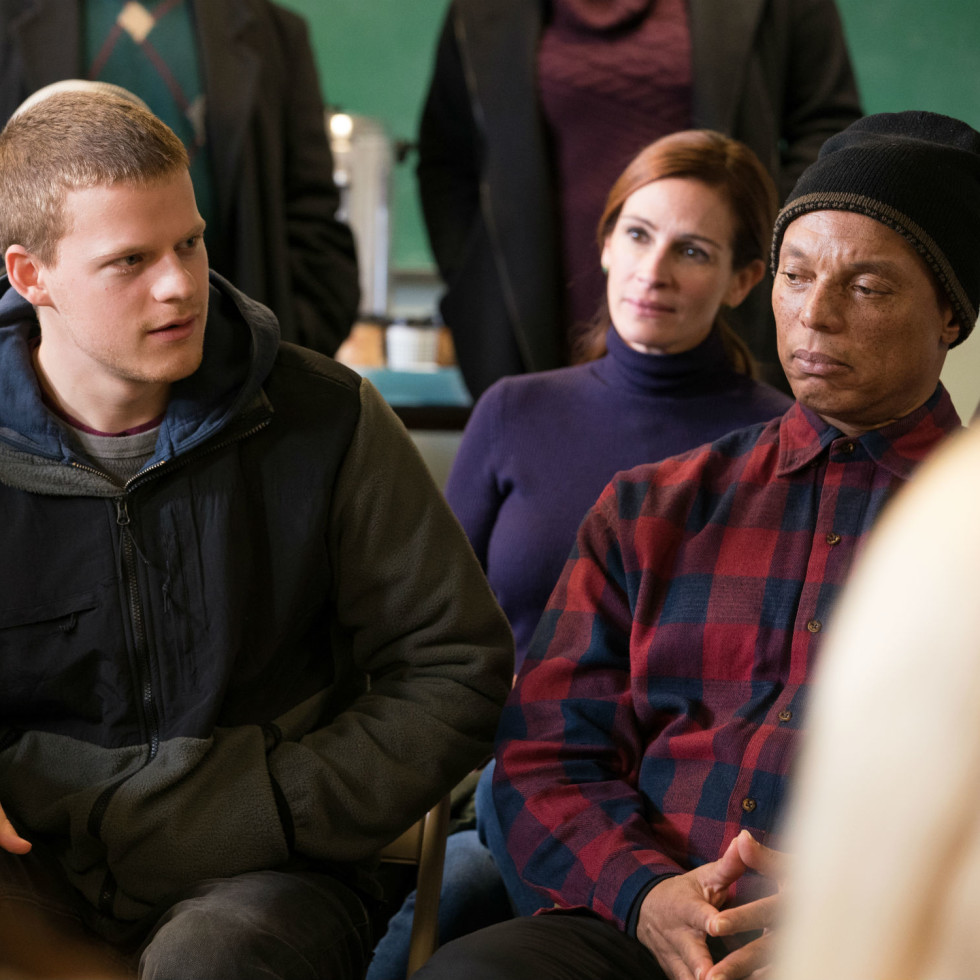 Lucas Hedges and Julia Roberts in Ben is Back