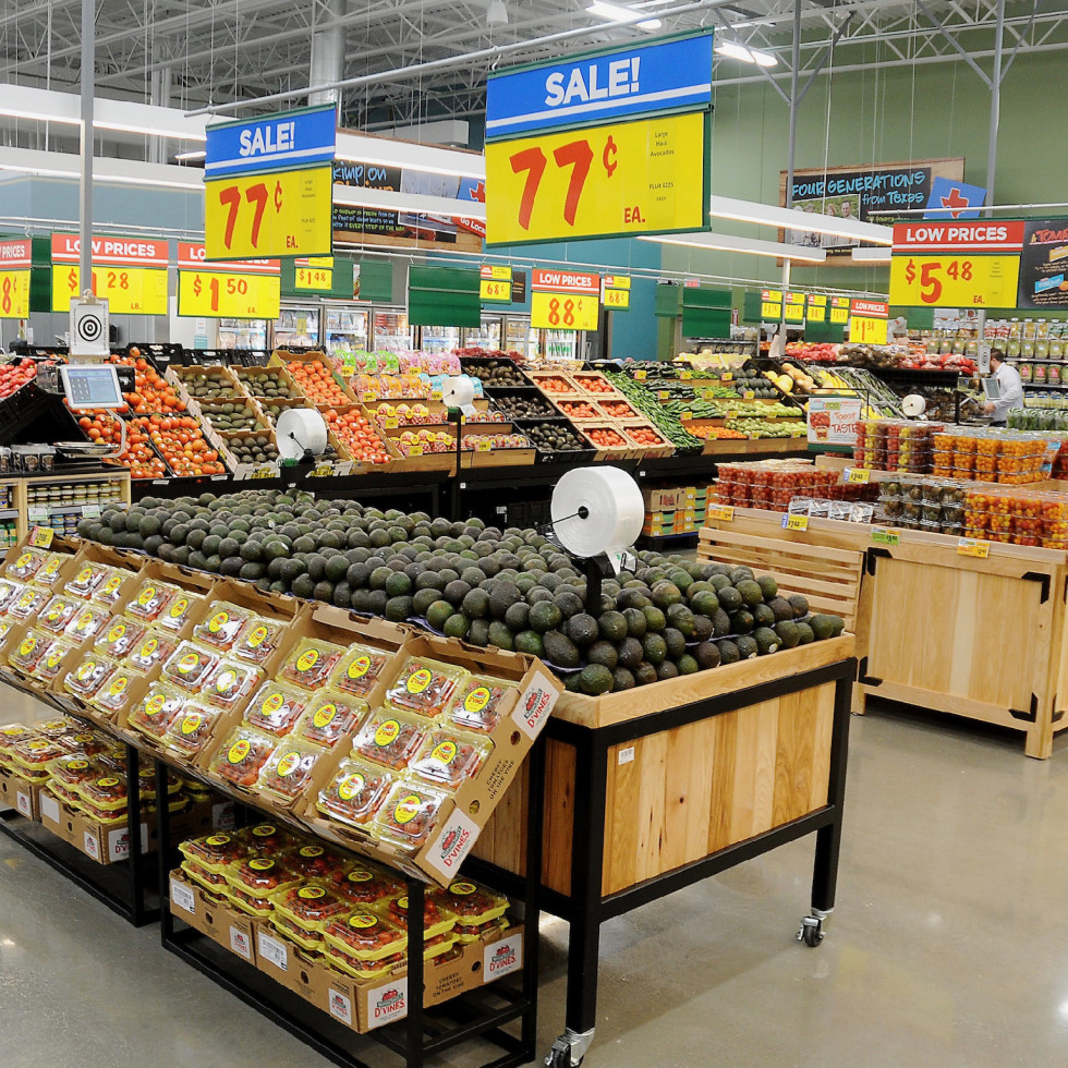 H-E-B Heights produce section