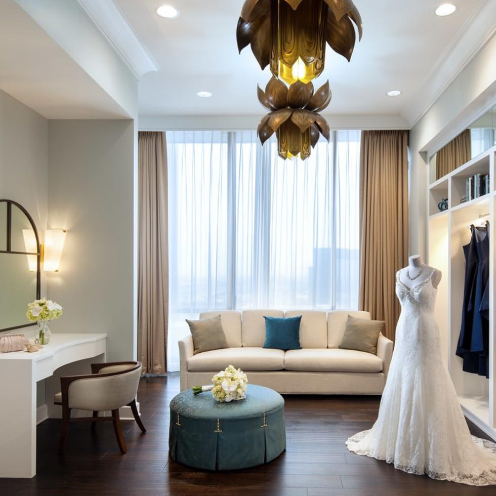 Westin Oaks Houston Heavenly Suite dressing room