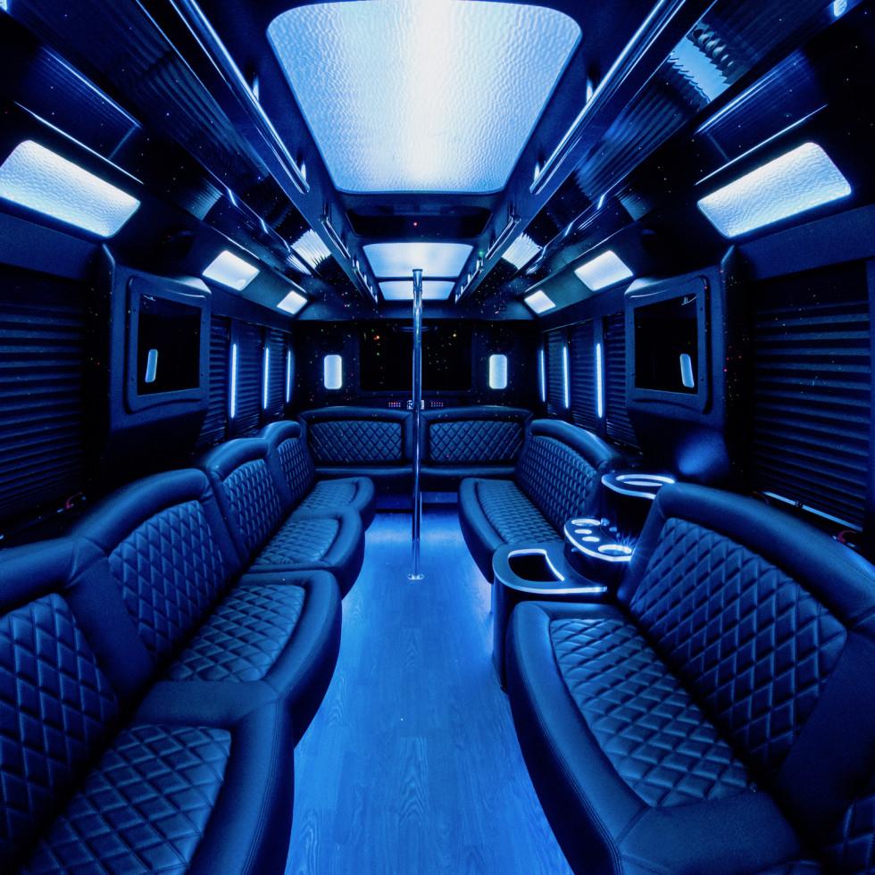 Clé Group Bus interior