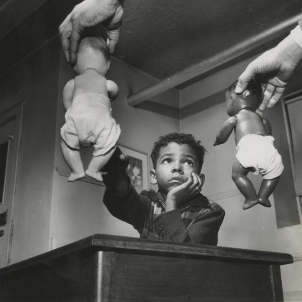 Gordon Parks (1912–2006)  Untitled, Harlem, New York, 1947  gelatin silver print