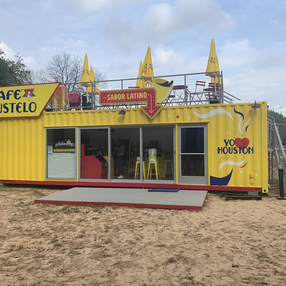 Cafe Bustelo front