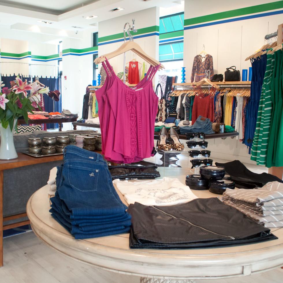 Y&I boutique, Shops at Legacy