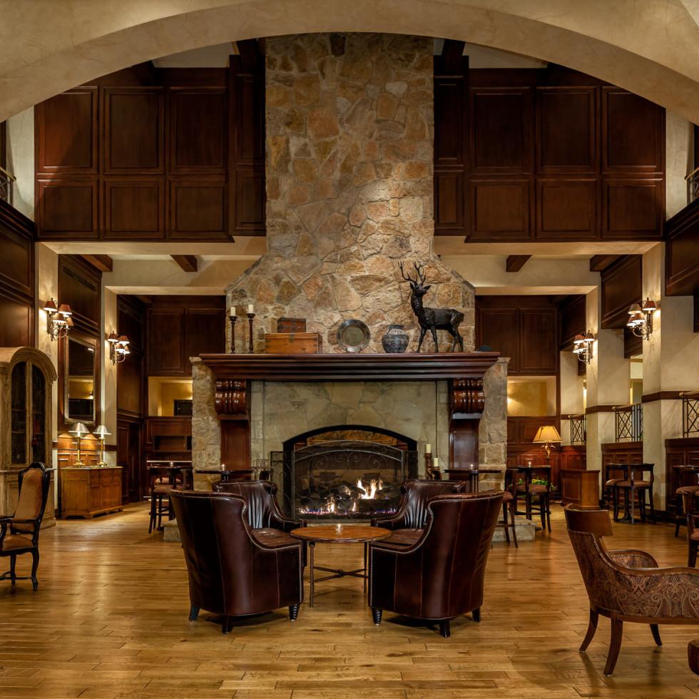 The Houstonian Hotel great room lobby