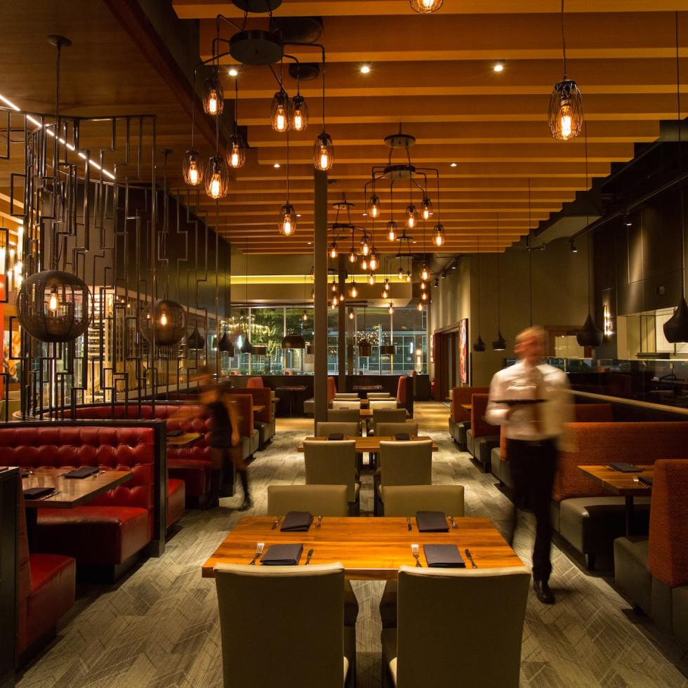 Del Frisco's Grille Woodlands dining room
