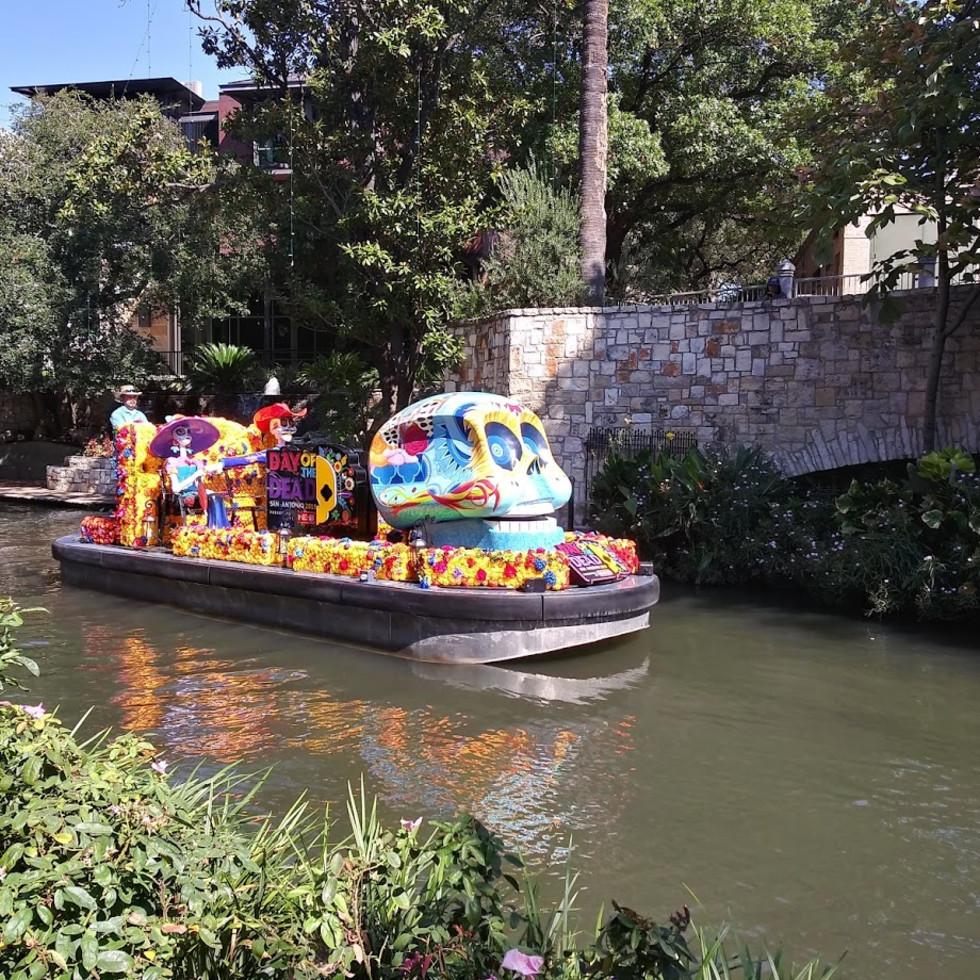 HEB barge San Antonio River Walk Dia de los Muertos