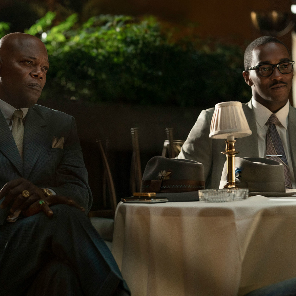 Samuel L. Jackson and Anthony Mackie in The Banker