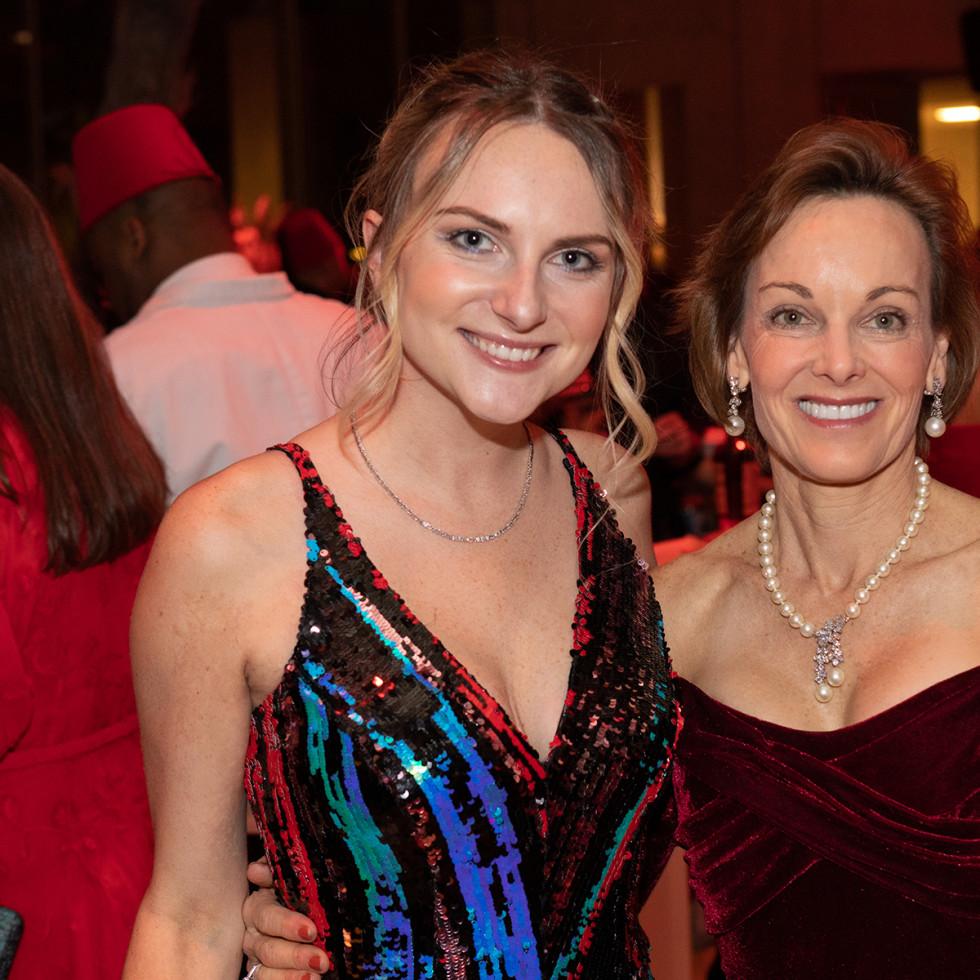 Hannah Davis Ryon, Lisa Burton