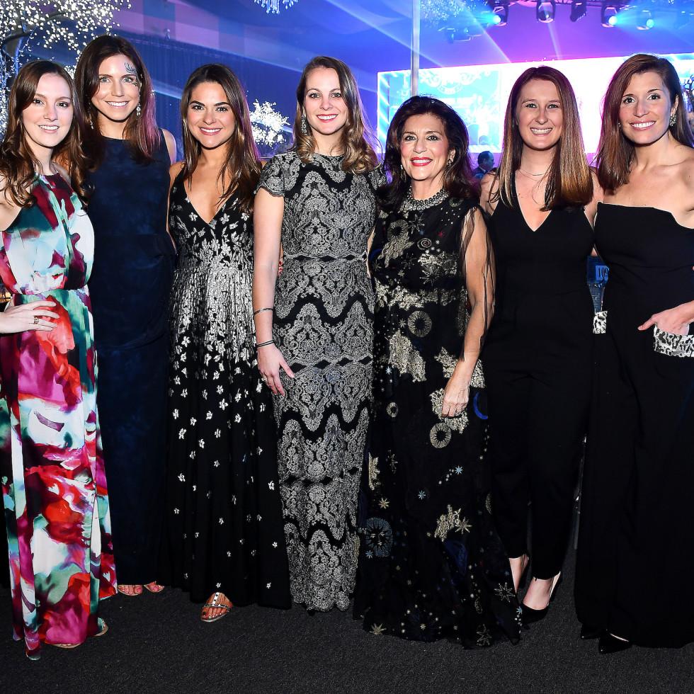 San Luis Salute 2020 Colleen Wagner, Caroline Dawson, Mary Ann Mason, Hayden Rome, Dancie Ware, Mattie Van Gundy and Katelyn Gosslee