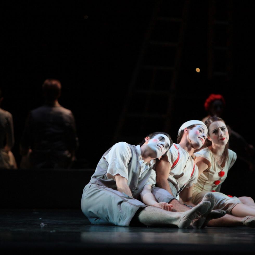 Artists of Houston Ballet in Christopher Bruce's Hush.