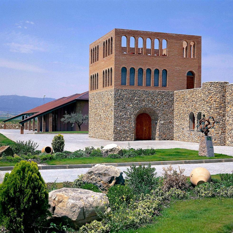 Grandes Vinos winery